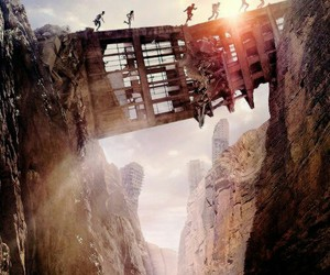 book, the maze runner, and maze runner image