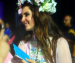 lana del rey, flowers, and icon image