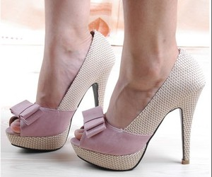 fashion, pink, and pumps image