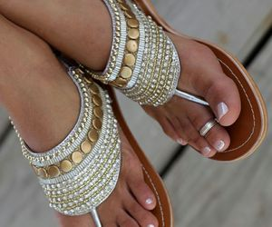 awesome accessories, beauty time, and celebrities fashion image