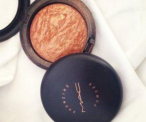 mac, cosmetics, and bronzer image