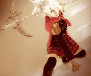 final fantasy cosplay, cool cosplay girl, and white hair girl cosplay image