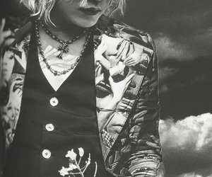 black and white, jrock, and ruki image