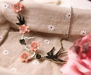necklace and sparrow image