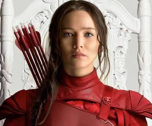 the hunger games, mockingjay, and los juegos del hambre image