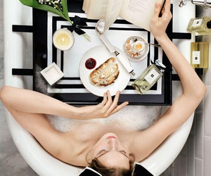 model, isitvogue, and bath image