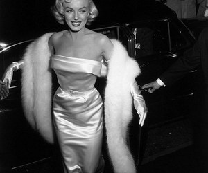 black & white and ms marylin image