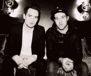 brendon urie, panic! at the disco, and pete wentz image