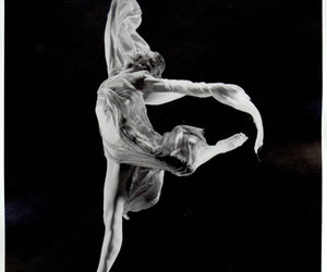 dance and isadora duncan image