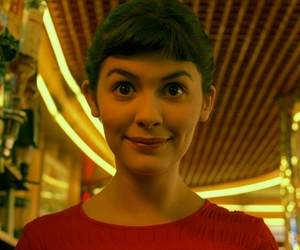 amelie poulain, film, and red image