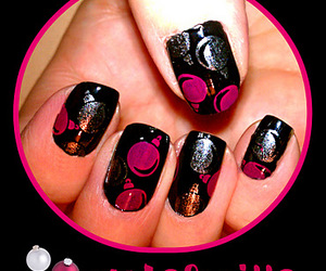 black, holiday, and nail art image