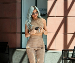 body, kylie jenner, and fashion image