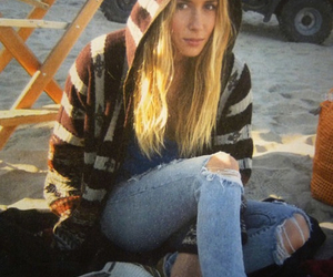 90210 and gillian zinser image