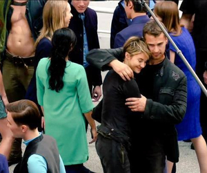 Shailene Woodley, insurgent, and theo james image