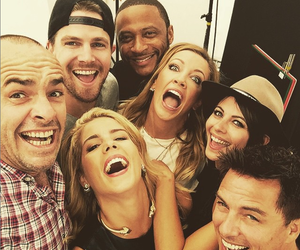 arrow, stephen amell, and willa holland image