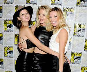 arrow and katie cassidy image