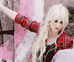 Taylor Momsen, blonde, and the pretty reckless image