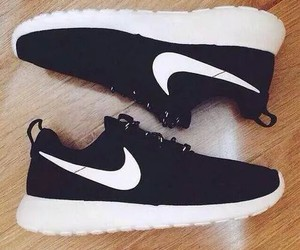 gym, nike, and roshes image