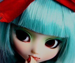 doll, pullip, and red image