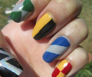 gryffindor, harry potter, and nail art image
