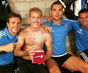 wow, hsv, and lewis holtby image