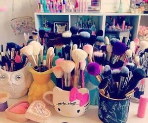 Brushes and make up image