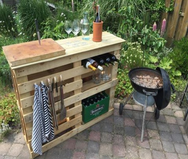 Bbq Side Table.Diy Bbq Side Table With Pallets Pallets Recycle Upcycle