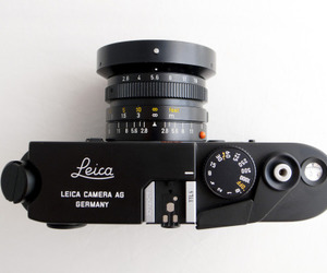 camera and leica image