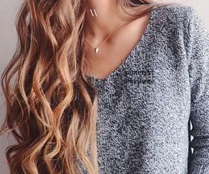 hair, outfit, and sweater image