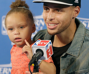 stephen curry and riley curry image