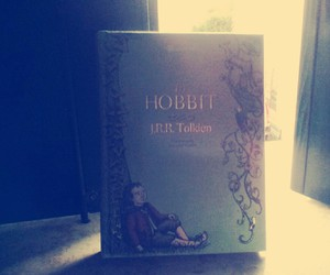 read and the hobbit image