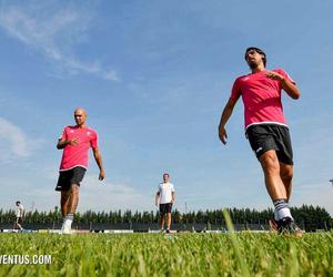 sami khedira, Juventus, and simone zaza image