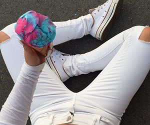 converse, jeans, and ootd image
