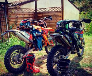 fox, life, and motocross image