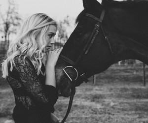 horse and alexis ren image