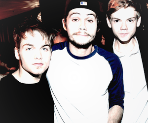 dylan o'brien, dylan sprayberry, and thomas sangster image