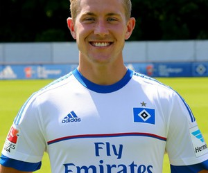 babe, hsv, and lewis holtby image