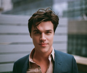 finn wittrock, ahs, and american horror story image