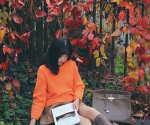 asian girl, autumn, and bag image