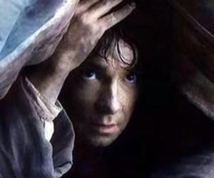 Martin Freeman, the hobbit, and desolation of samug image