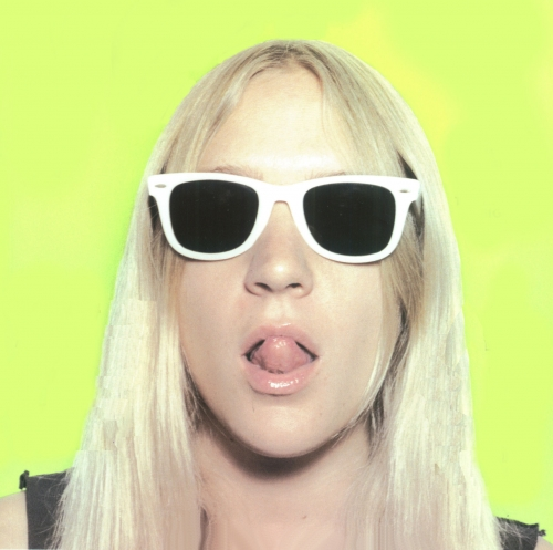 sunglasses, wayfarer, and Chloe Sevigny image