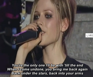 Avril Lavigne and fall to pieces image