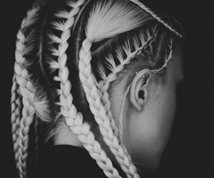 black and white, trenzas, and wallpaper image