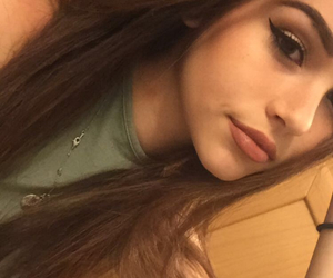 maggie lindemann and snap image