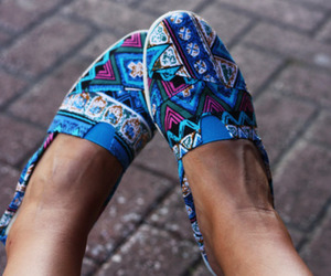 shoes and toms image