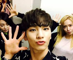 key, SHINee, and snsd image