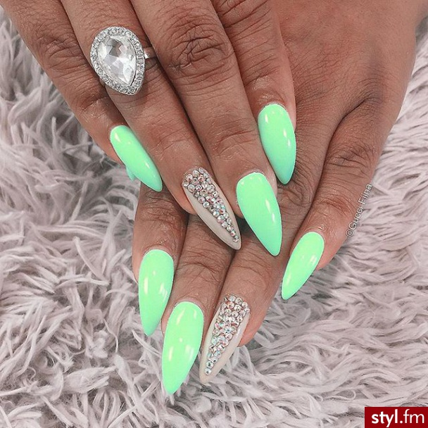 dee48f749b 146 images about Unhas on We Heart It | See more about nails, nail art and  nail polish