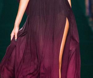 abertura, vestido, and seda image