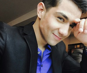 babe and luis coronel image