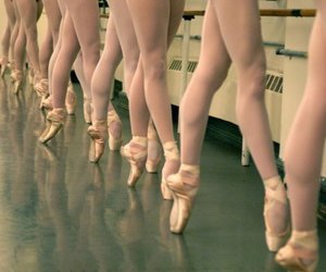ballerina, class, and pointe shoes image